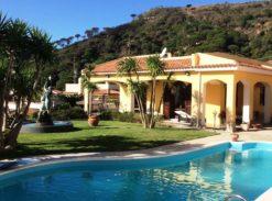 Splendida Villa indipendente in vendita con Piscina pressi Curcuraci #VT14792