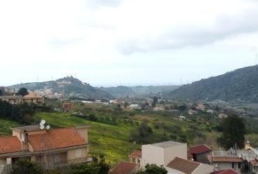 Panoramico Appartamento su due elevazioni in vendita pressi S.Lucia del Mela #VT15781