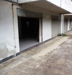 Locale commerciale uso garage con zona esterna in vendita pressi San Michele #VT13954