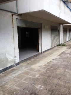 Locale commerciale uso garage con zona esterna in vendita pressi San Michele