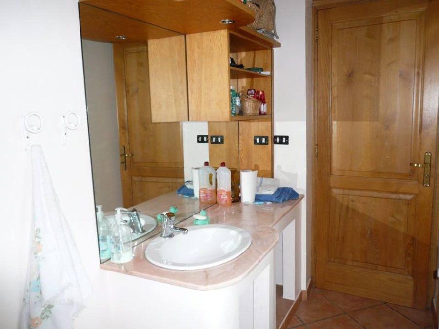 Villa due piani e terreno in vendita Pagliara(ME)