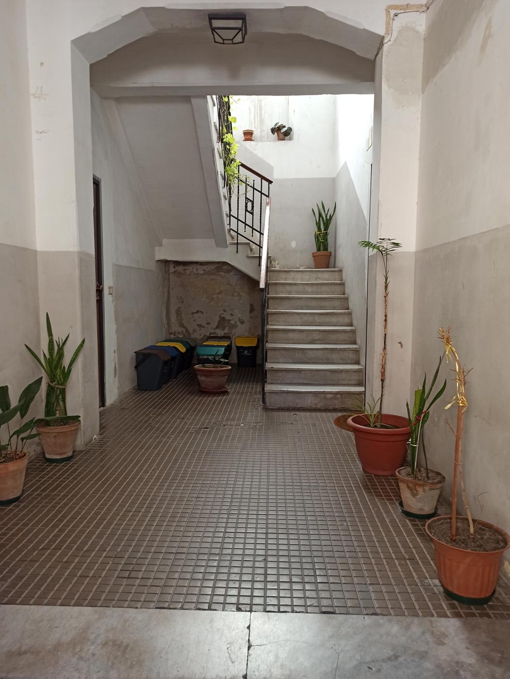 Trivani Piazza Castronovo